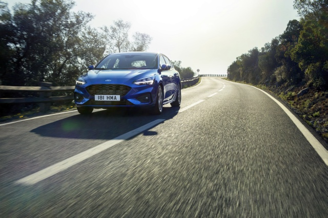 FORD 2018 FOCUS ST-LINE  24