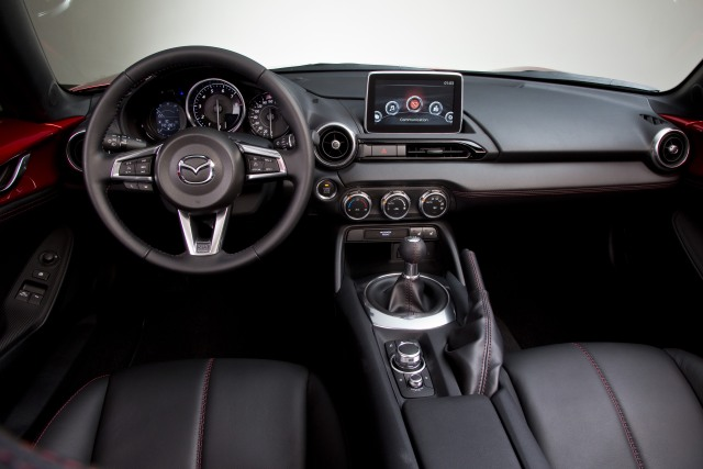 MX-5 2014 ParisMS interior 01  jpg300